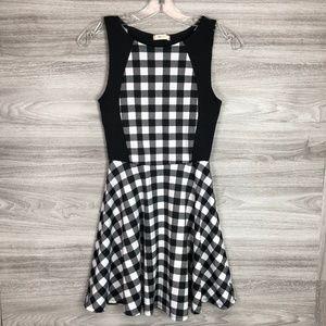 Everly Mini Checkered Mini Dress Size Small